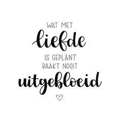 Condoleancekaart - Wat met liefde is geplant - Condoleancekaarten Poem Quotes, Words Quotes, Wise Words, Feel Good Quotes, Quotes To Live By, Positive Words, Positive Quotes, Favorite Quotes, Best Quotes