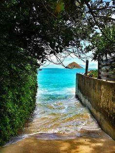 Acceso a la playa. Oahu - Hawaii