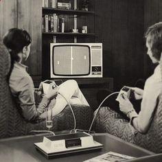 Un peu de WTF dans notre tableau Décoration salon #gif #vintage :) fr.pinterest.com/...