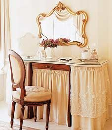 Exchange ideas and find inspiration on interior decor and design tips, home organization ideas, decorating on a budget, decor trends, and more. Dressing Table Vanity, Dressing Tables, Vanity Tables, Makeup Tables, Art Deco Furniture, Furniture Design, Antique Vanity, Dresser Sets, Art Nouveau