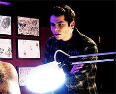 GIF Stiles fainting lol - love him =) Teen Wolf