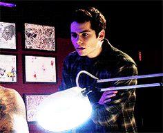 GIF Stiles fainting lol - love him :) Teen Wolf Dylan O'Brien