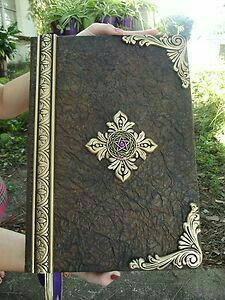 Extra Large Handmade Book of shadows blank spell book / journal / Pegan journal Mais Handmade Journals, Handmade Books, Handmade Rugs, Handmade Crafts, Book Journal, Journal Covers, Leather Journal, Book Binding, Book Of Shadows