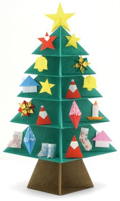 Some Christmas ideas to decorate your home. Christmas Tree Design, Xmas Tree, Christmas Origami, Christmas Crafts, Christmas Ideas, Diy And Crafts, Crafts For Kids, Paper Crafts, Easy Valentine Crafts