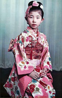 EARLY MAYUMI-KIMONO, 1952