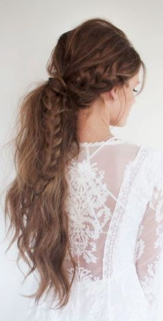Boho romantic braid - hair envy on a whole different level! Messy Hairstyles, Pretty Hairstyles, Wedding Hairstyles, Bohemian Hairstyles, Hairstyle Ideas, Boho Hairstyles For Long Hair, Reign Hairstyles, College Hairstyles, Spring Hairstyles