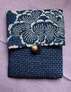 Beautiful Japanese textiles used to make a sweet little coin purse