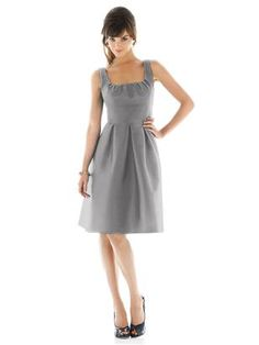 Bridesmaid dress with scoop neck and pleated detail, wide waistband and pockets!