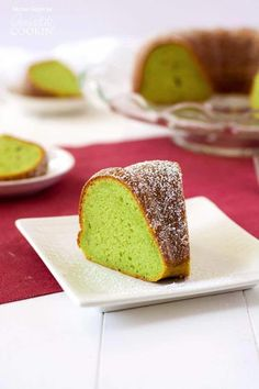 This pistachio pudding bundt cake is truly tender and delicious! Adding pistachio pudding to cake mix transforms something average into something amazing. Duncan Hines, Pudding Desserts, Pudding Cake, Pistachio Cake, Pistachio Recipes, Pistachio Pudding Bundt Cake Recipe, Chocolate Hazelnut Cake, Cake Recipes, Dessert Recipes