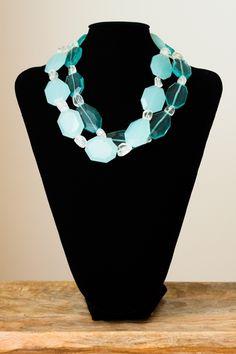 Collar de cristal de Murano de color azul y azul transparente de dos vueltas y con cierre de plata.