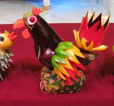 Mixed Media Artist: Filipino fruit and vegetable c - Food Carving Ideas Edible Crafts, Food Crafts, Edible Art, Fruit Sculptures, Food Sculpture, Veggie Art, Fruit And Vegetable Carving, Veggie Food, Kreative Snacks