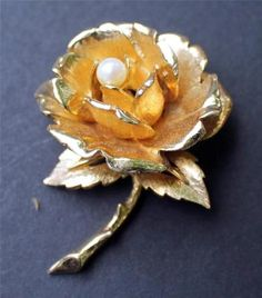 Vintage Signed Boucher Goldtone Rose With Pearl Pin Brooch