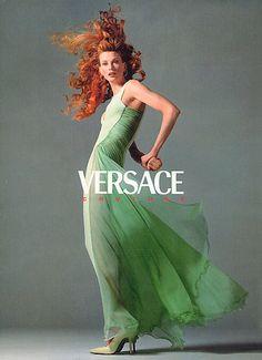 Model/ Kristen Mcmenamy. VERSACE COUTURE 1995.