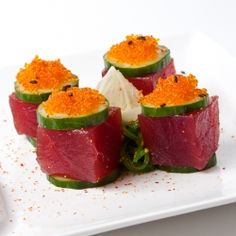From foodgawker.com - japanese tapas: tuna cubes, wakame salad, japanese cucumber, meyer lemon.  I could use this as a basis for a tuna appetizer.