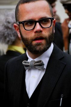 Looks like a leather trimmed bow tie. Shaved Hair Cuts, Mens Glasses, Well Dressed Men, Beard Styles, Tie Styles, Moustache, Facial Hair, Stylish Men, Bearded Men