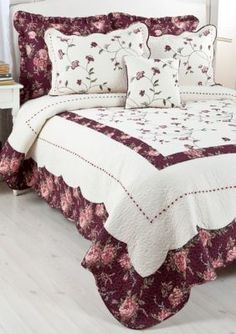 Decorative Items, Decorative Pillows, Luxury Bedding Collections, Quilted Bedspreads, Bedding Shop, Bed Spreads, Household Items, Comforters, Blanket
