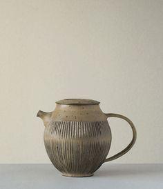 Teapot Artist: Norikazu Oe