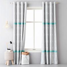 Dekoračný záves SAULO sada 2 ks - Závesy SAULO v šedej farbe sa stanú jedinečným doplnkom vášho bytu. Rozmanitý vzor s mentolovými pruhmi na svetlošedom podklade sa dá dobre kombinovať s ďalšími farba Stylus, Curtains, Design, Home Decor, Flat, Blinds, Decoration Home, Bass, Style