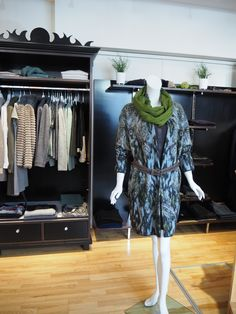 Mehr als nur Mode! Marc Cain, Wardrobe Rack, Outfits, Fall Winter, Breien, Gowns, Suits, Kleding, Outfit