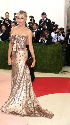 2016 MET Gala 'Manus x Machina: Fashion in an Age of Technology' - Sienna Miller in Gucci