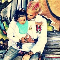 Tyrese Shares Sweet Pic of Chris Brown and Daughter Royalty Gives Singer Some F Supa Peach, Chris Brown Daughter, Chris Brown And Royalty, Chirs Brown, Breezy Chris Brown, Rap, Hot Dads, Brown Babies, Daddys Little Girls