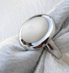 Best selling mother-of-pearl ring from www.patbijoux.com