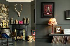 black walls with black trim and hot pink accent Retro Interior Design, Interior Design Pictures, Door Sixteen, Living Spaces, Living Room, Dark Walls, Door Wall, Black Trim, Home And Living