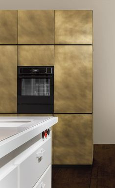 Pure Shapes, Precious Surfaces - gala k - Natural Skin. Interior Design Colleges, Interior Design Programs, Luxury Kitchens, Home Kitchens, Kitchen Furniture, Kitchen Interior, Galley Kitchen Design, Kitchen Cabinets And Countertops, Outdoor Kitchen Bars