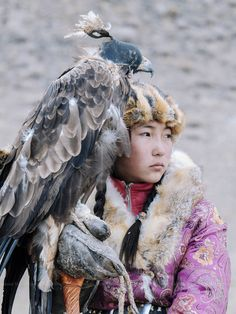 Behind the Scenes of Mongolia's Golden Eagle Festival The Golden Eagle Festival is more than just a contest. Mongolia's annual gathering of Kazakh eagle hunters celebrates a unique way of life. Mongolia, L'art Du Portrait, Portraits, Golden Eagle, Tier Fotos, Jolie Photo, Central Asia, World Cultures, People Around The World