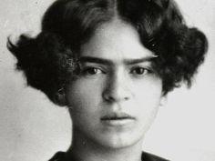 wordssongspictures: Un joven Frida Khalo