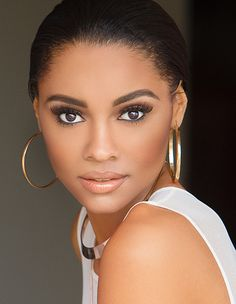 Official headshot as your 2016 Miss Georgia USA! Glitz Pageant, Pageant Makeup, Pageant Gowns, Beauty Pageant, Beautiful Black Girl, Beautiful Eyes, Gorgeous Women, Amazing Women, African American Beauty