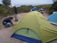 Setting up a #waterproof #tent in a area without vegetation.
