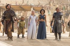 Michiel Huisman as Daario Naharis, Peter Dinklage as Tyrion Lannister, Emilia Clarke as Daenerys Targaryen, Nathalie Emmanuel as Missandei and Iain Glen as Jorah Mormont (season 5, episode 9)