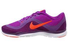 Nike Performance Flex Trainer Zapatillas Fitness E Indoor Hyper Volt Total Crimson Purple Las zapatillas deportivas de mujer han encontrado un nuevo rumbo y ahora encabezan los mejores looks cosmopolitas.
