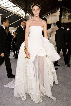 Backstage @ Givenchy Fall 2009 Couture 결혼식 때 이런거 입고싶다 거기서 거기인 드레스말고