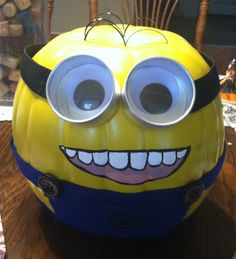 DIY pumpkin decorating contest... Minion!!