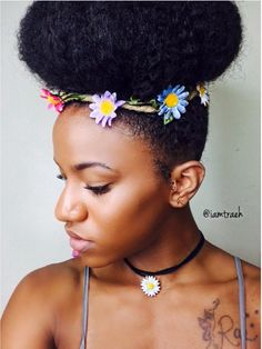 It just doesn't get more elegant than a faux donut, amirite?! | 15 Easy Protective Styles You Can Do Even If You Suck At Hair