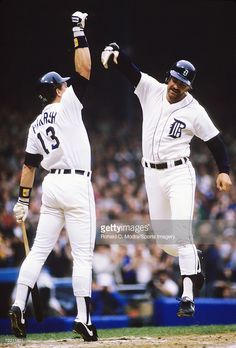Kirk Gibson High Fives Lance Parrish - 1984 Tigers Detroit Sports, Detroit Tigers Baseball, Detroit Area, Baseball Boys, Detroit Lions, Baseball Players, Kirk Gibson, Tiger Team, Tiger Stadium