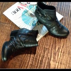 Black booties Black booties with a side buckle and a comfortable runched look. Size 6.5.  Pair these with some boyfriend jeans and your ready to go. Bare Traps  Shoes Ankle Boots & Booties