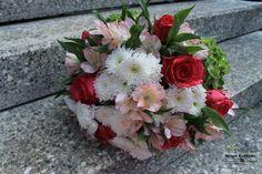 Zahradní a krajinářská architektura, zakázková floristika - Letem květem Floral Wreath, Wreaths, Decor, Floral Crown, Decoration, Door Wreaths, Deco Mesh Wreaths, Decorating, Floral Arrangements