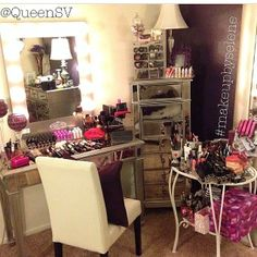 Pier 1 Hayworth Collection for a vanity area. This is what mine would look like. Vanity Makeup Rooms, Makeup Vanity Storage, Makeup Storage Organization, Diy Vanity, Vanity Decor, Vanity Ideas, Organization Ideas, Make Up Organiser, Glam Room