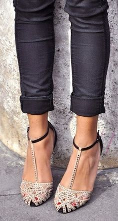Cute jeans with heels