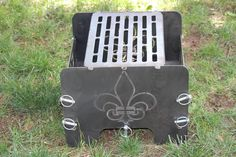 Scouting Fire Pit Portable and Collapsible Custom Metal Fire Pit, Cool Fire Pits, Concrete Fire Pits, Diy Fire Pit, Fire Pit Backyard, Fire Pit Gallery, Fire Pit Essentials, Fire Pit Materials, Fire Pit Ring