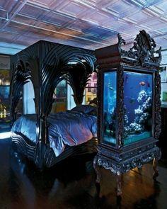 E este aquário gótico escuro que provavelmente é só para vampiros.   27 aquários inacreditáveis que você desejaria ter em casa