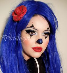 clown makeup i so want to do for Halloween! Clown Halloween, Halloween Costumes For Girls, Halloween 2014, Halloween Make Up, Halloween Night, Clown Face Makeup, Clown Face Paint, Hair Makeup, Halloween Face Makeup