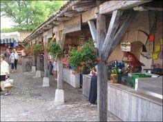 marché-la-flotte-ile-de-ré-2 Beaux Villages, Holidays 2017, Beautiful Islands, Holiday Travel, Travel Inspiration, The Good Place, Places To Go, Pergola, Outdoor Structures