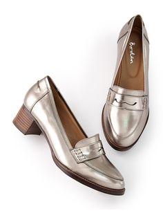 Loafers mit kleinem Absatz AR639 Flache Schuhe bei Boden