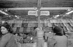 Piata Unirii martie 1981, lipsa alimentelor Communism, Socialism, Paris, Bad Life, Romania, Childhood Memories, Times Square, Country, Pictures