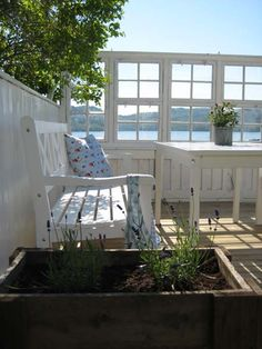 A beautiful summer room by the water