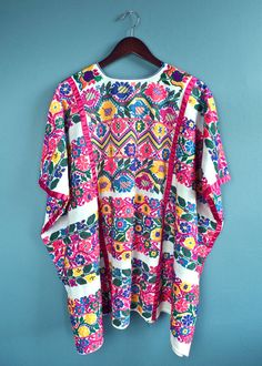 Your place to buy and sell all things handmade Mexican Outfit, Mexican Dresses, Mexican Style, Design Floral, Motif Floral, Mexico Fashion, Mexican Textiles, Mexican Crafts, Mexican Embroidery